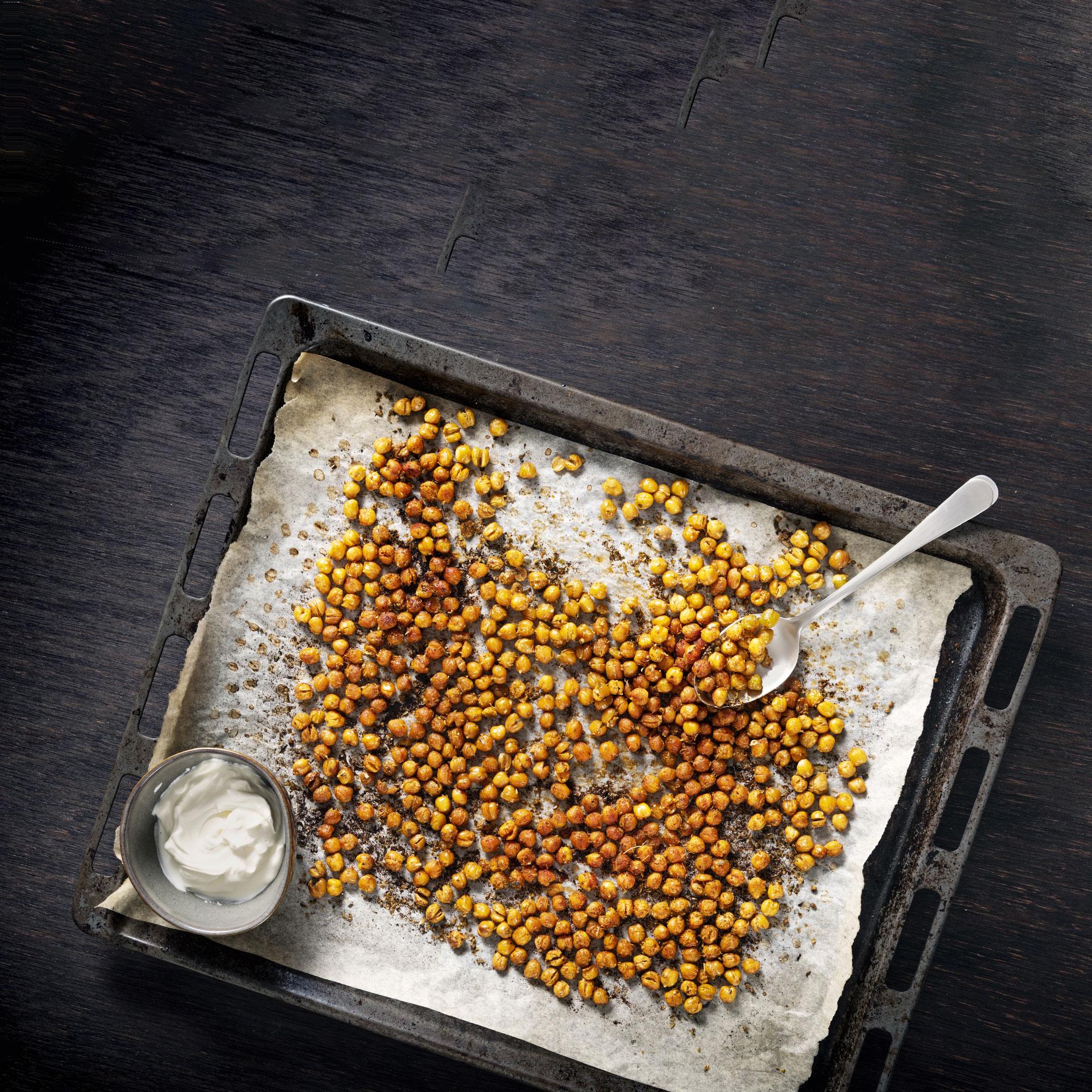 Chickpeas on a roasting pan